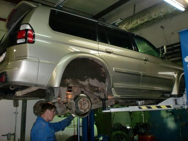 Mitsubishi Pajero Sport замена амортизаторов